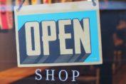 Cartel de tienda abierta
