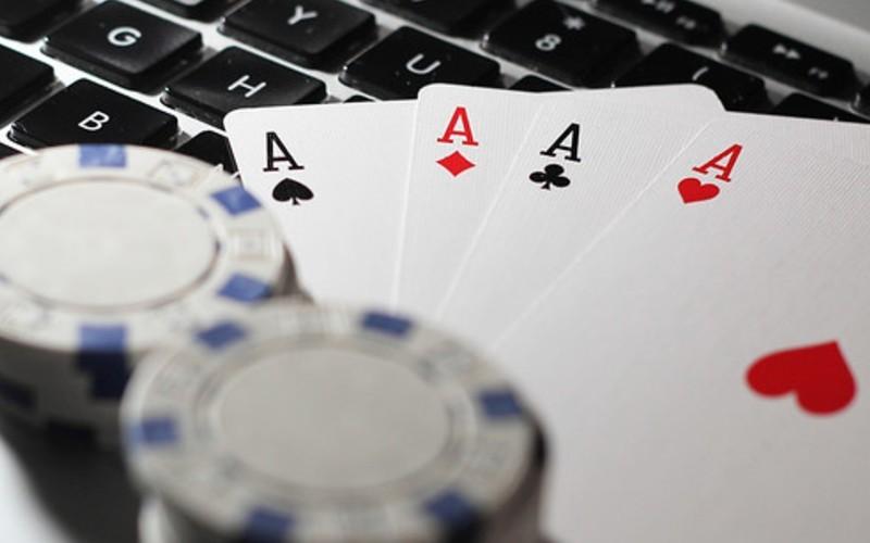 Juegos de azar apuestan por Internet